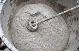 Приготовление раствора вручную при помощи «миксера»